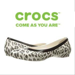crocs comfort flats - size 6W
